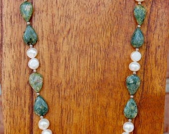 Chinese Rhyolite and Freshwater Pearl Necklace