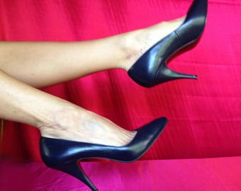 Navy high heel pumps. Size 9.5