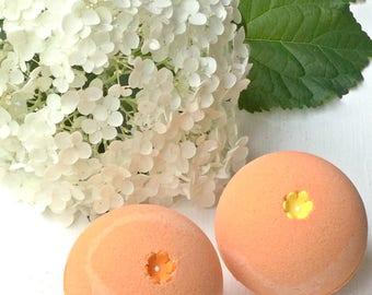 GEORGIA PEACH Bath Bomb//Fresh Peach Scented//Bath Fizzie//Spa//Bath and Body//Relaxation//