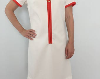 Twiggy Mod Style Dress / Classic 1960's Vintage White Dress with Red Orange Trim / 60s Zip Front, Short Sleeve Shift Dress / Made in USA