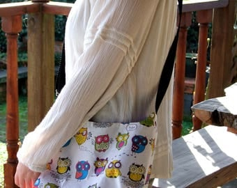 Crossover Bag Colourful Owls on White Messenger Tote bag