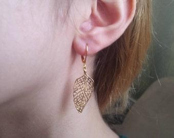 Dangle leafs earrings. Gold long earrings. Golden leafs earrings. Stunning gift for women or girl. Gold leafs earring Big leafs earrings