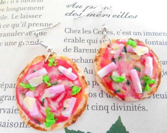 Polymer clay pizza earrings.