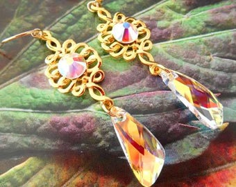 Pair of earrings dangling Crystal and gold