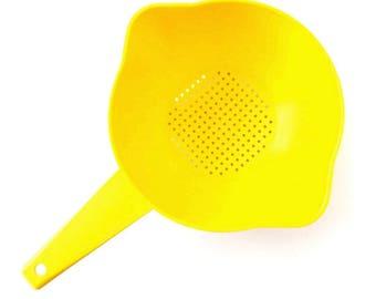 Free Delivery! VINTAGE Tupperware 1980s Lemon Yellow Plastic Strainer Colander