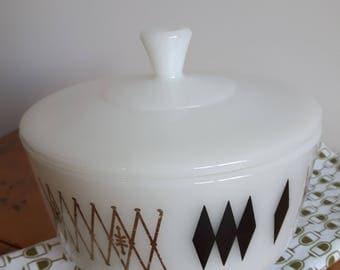 Federal Glass, Federal Harlequin, Federal Atomic, White Milk Glass, Vintage Glass, Retro Glass, Vintage Kitchen, Retro Kitchen