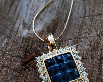 Breathtaking sapphire blue and rhinestone vintage necklace and gold chain