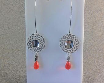 Long dangle earrings with Rhinestones