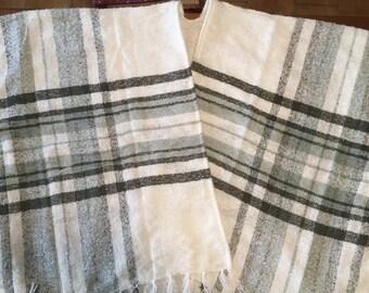 shawl, blue-grey white Plaid poncho