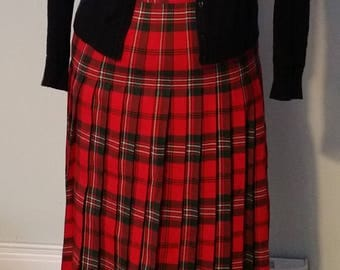 Red Tartan skirt, plaid skirt, Pure Virgin Wool, pleated, high waisted, midi lenght, Made in Canada