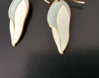 Vintage Laurel Burch Gray and White Barbee Blossom Dangle Earrings