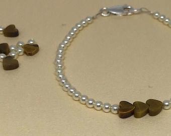 Swarovski Crystal Glass Cream Pearls and Tigereye Gemstone Hearts Beaded Bracelet.