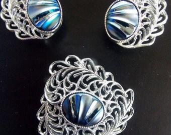 Sarah Coventry Royal Plumage silvertone Filigree Brooch & Clip Earring Set lr-d4