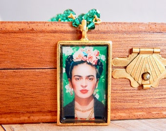 Frida - Frida Kahlo emerald crystal necklace - green necklace - swarovski crystal