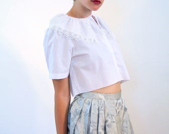 Blanche, 80s White Blouse M, Cropped White Blouse, Lace Collar Blouse, White Crop Top, Cut Off Blouse, Bohemian Blouse, Retro Granny Blouse
