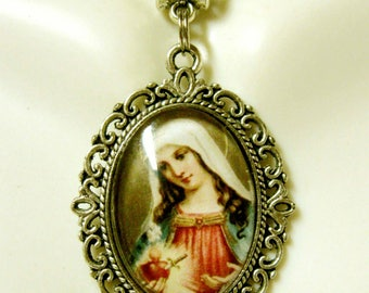 Immaculate heart of Mary pendant and chain - AP05-310