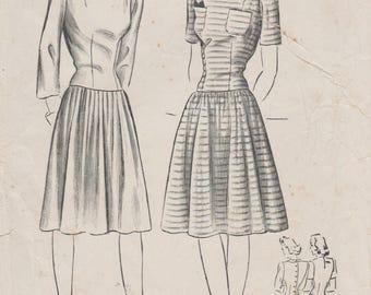 Butterick 1792 / Vintage 40s Sewing Pattern / Dress / Size 14 Bust 32