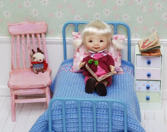 SALE Metal Bed With Accessories For Dolls Quilt Handmade Patchwork Diorama for tiny doll like Irrealdoll Lati Nikki Britt Pukifee