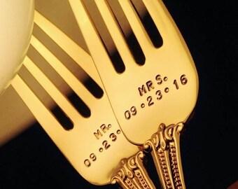 Wedding Forks: GOLD Forks, MR MRS Forks w/ Wedding Date; Stamped Forks Flatware, Personalized Forks, Custom Cake Fork Set, Bride Cake Table