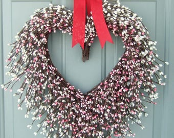 Valentine Wreath  - Valentine Door Wreath - Heart Wreath - Valentine's Day Wreath