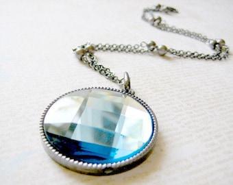 Blue Faceted Pendant Necklace, Statement Necklace, Blue Gemstone Pendant Necklace, Ble Stone Jewelry,Blue Round Necklace, Circle Necklace