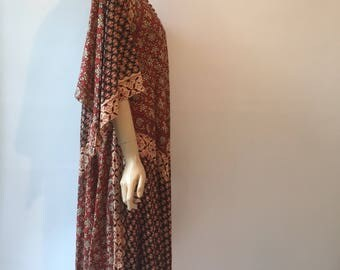 Vintage Indian cotton blockprint dress 1970s hippy with dashiki sleeves and covered buttons