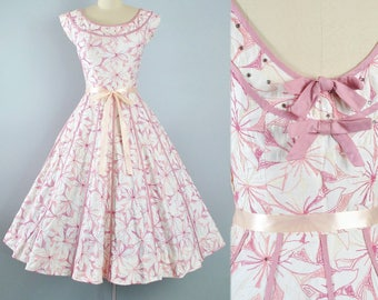 Vintage 50s EMBROIDERED Dress / 1950s Cotton Sundress Pink Mauve FLORAL EMBROIDERY Stripe Full Circle Skirt Pinup Picnic Garden Party Small