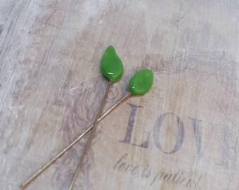 2 clous en verre de Murano filé à la flamme, feuilles vert , SAHP18