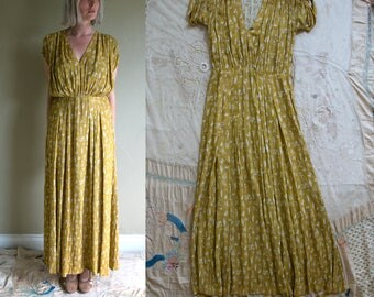Vintage 1930's Daffodil Colored Asian Inspired Gown, Short Sleeved, Women's Medium Large, 30's Dress
