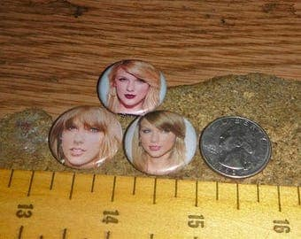 Sale TAYLOR SWIFT 3 Buttons one inch pinback badge set