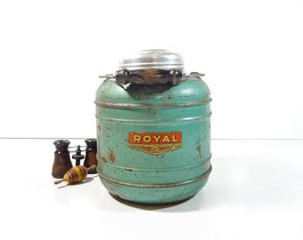 Vintage Royal Thermos Jug / Metal Hot or Cold Beverage Cooler Picnic Jug / Vintage Camping Gear