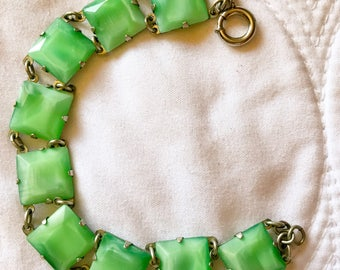 Free Shipping: Vintage Art Deco Mottled Green Glass Link Bracelet • SALE