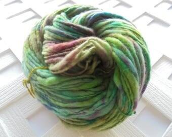 Thick and Thin Handspun, ARWEN, Worsted-Weight Yarn, Worsted Handspun, Merino Yarn, Soft Artisan Yarn, Art Yarn, Knitting Yarn, Weaving Yarn