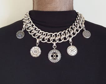 WOWZA** Iconic Designer Button Necklace STATEMENT Jewelry chunky silver Necklace Chunky Chain, upcycled Button Jewelry veryDonna