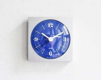 Vintage Krups clock, silver wall clock, German 70s clock, blue clock Krups, 70s home decor Ref: 751