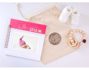 Simple Girl Baby Book. Baby Memory Book. Pink Baby Book. Modern Baby Book. Best of Baby. Gifts for Moms. Baby Shower Gift. Girl Baby Book