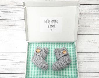 pregnancy announcement booties, pregnancy reveal, grandparents to be,auntie, crochet baby booties, new baby, newborn shoes