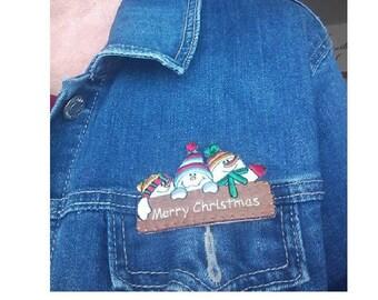 Snowmen - Snowman - Merry Christmas Pin Brooch - Embroidered - Seasonal Jewlery