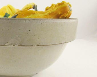 """Vintage, Aged, Crockery 10"""" Bowl With Gloss Finish - Farmhouse Chic - Great Surface - Useful - Cream-colored - Rustic"""