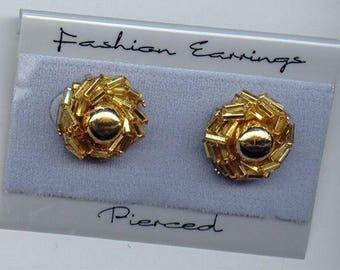 1 Vintage Pair Gold Beaded Pierced 1980s Retro Earrings S965