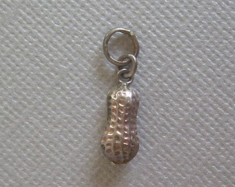 TINY PEANUT Charm Pendant Fob-Vintage Carved Etched Sterling Silver-Traditional Asian Health Wealth Longevity Good Luck Jewelry-01035