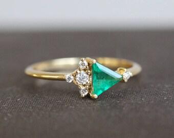 Emerald Ring, Mini Cluster Ring, Emerald Diamond Ring, Diamond Emerald Ring, Triangle Ring, Diamond Ring, Engagement Ring, Triangle Diamond