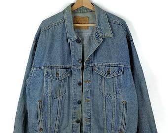 Damaged Vintage  Levi's Blue Denim Jacket/Jean Jacket from 90's/Grunge