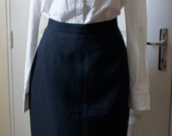 Black skirt vintage right. 1940s style