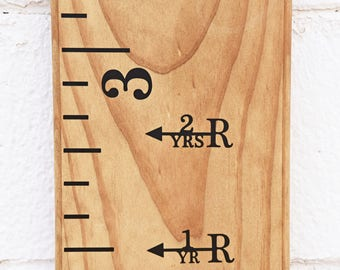 Height Marker for Growth Chart Ruler- Vinyl Decal Arrow with Initial and Years- Measuring Mark