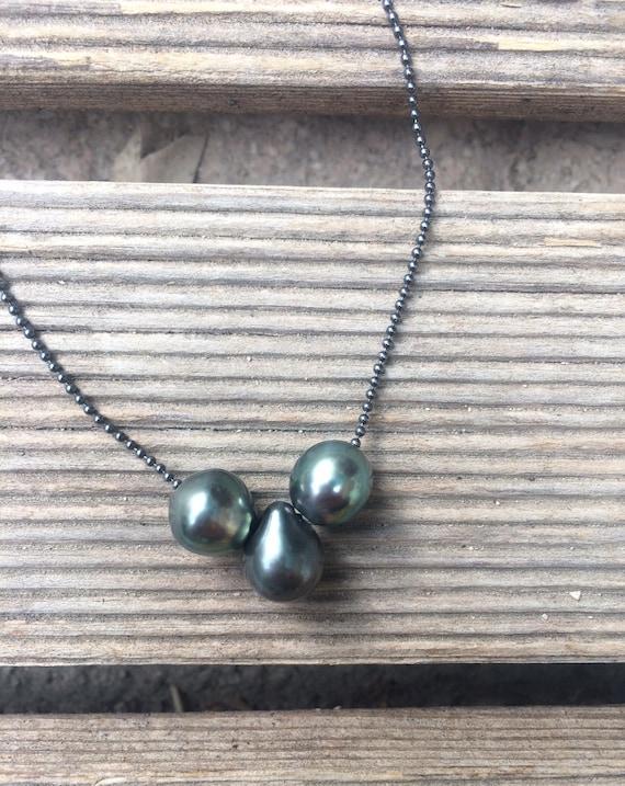 Three Tahitian pearls on a silver chain 925, women choker