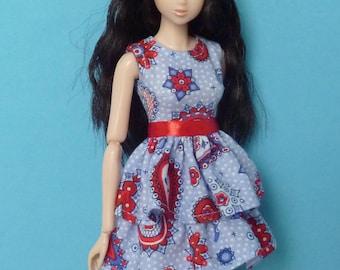 Dress for Momoko and Kurhn dolls.