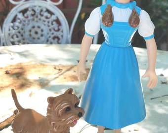 Dorothy and Toto Wizard of Oz 1995 Turner Enterprises figurines Dorthy is articulate