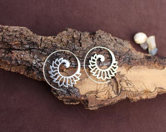 Lotus Spiral Silver Earrings, Silver Plated, Tribal Jewelry, Ethnic Earrings, Boho Earrings, White Brass Earrings, Boucles d'oreille Lotus