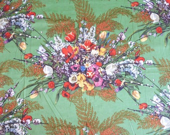 Flowers & fern on green BOUSSAC ROMANEX Passy by Pascaline Villon satinee fabric curtain panel - French 60s vintage